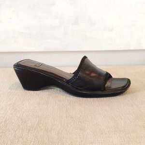 Stuart Weitzman Black Leather Slide Wedge Heels 10